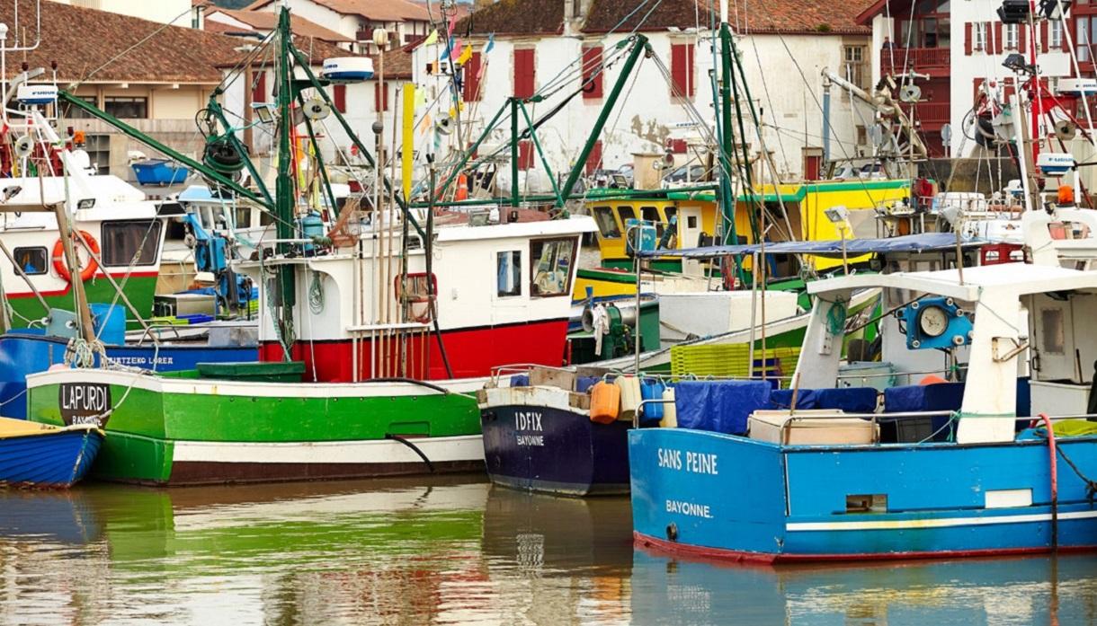 Pays basque b arn en terre basque de bayonne saint jean de luz i le v l - Linge basque st jean de luz ...