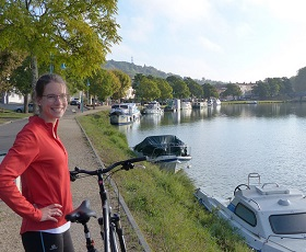 Cycle tour from Bordeaux to Agen from vineyards to canal