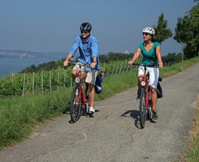 Rhine Falls and Lake Constance by bike